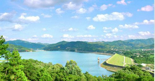 The Lingdong Aquatic Amusement Resort Scenic Area