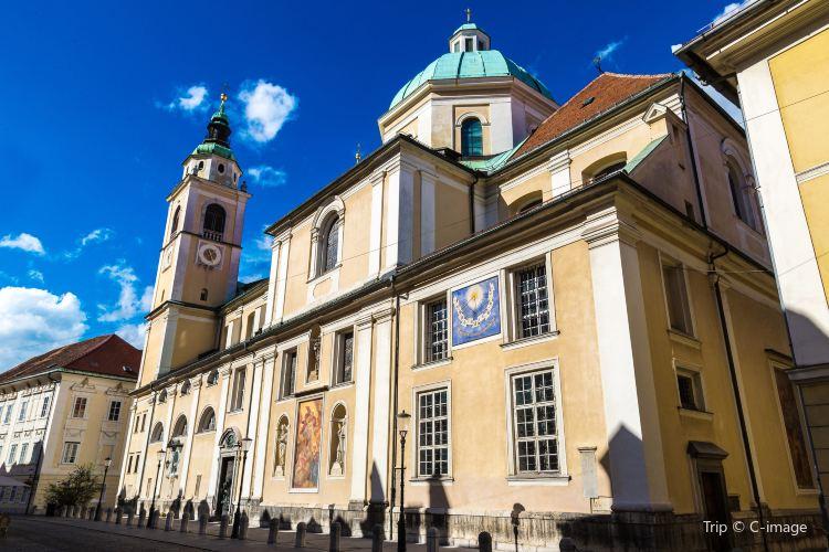 聖尼古拉斯大教堂3