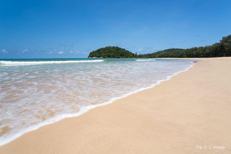 Layan Beach2