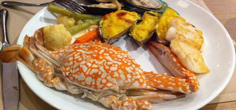 Restaurant at Phi Phi Paradise Pearl Resort1