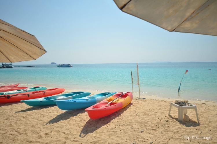 Mai Thon Island1