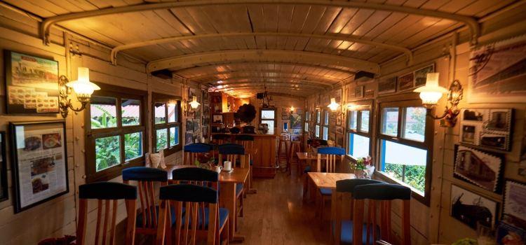 Dalat Train Cafe1