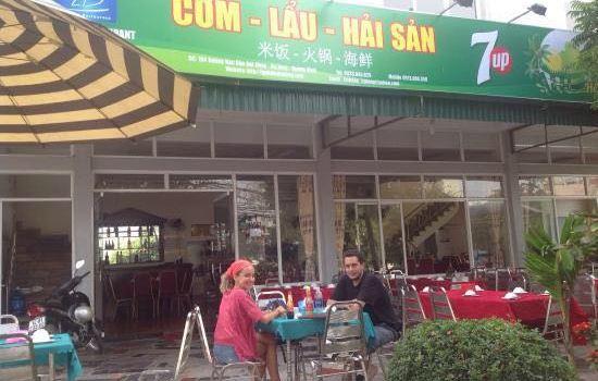 Linh Dan Restaurant2