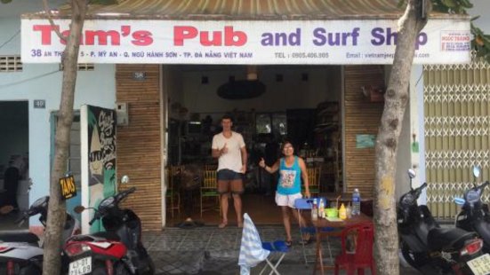 Tam's Pub and Surf Shop
