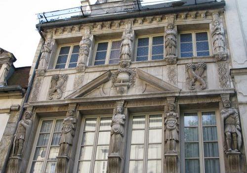 La Maison des Cariatides2