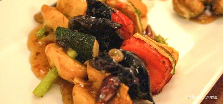 Hum Vegetarian Cafe & Restaurant3