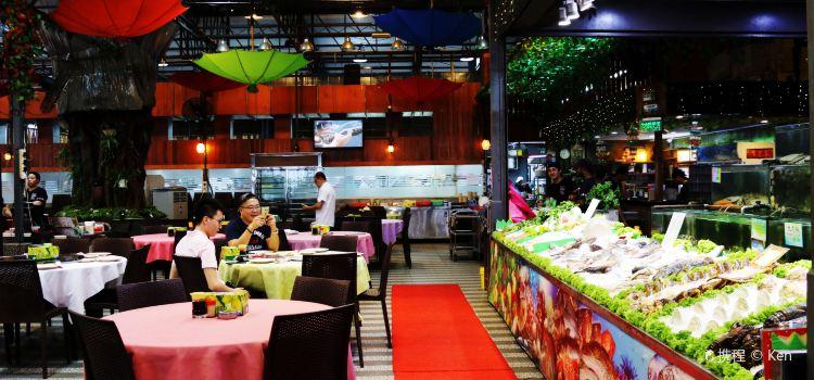 Bali Hai Seafood Market1
