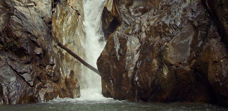Pariwat瀑布1