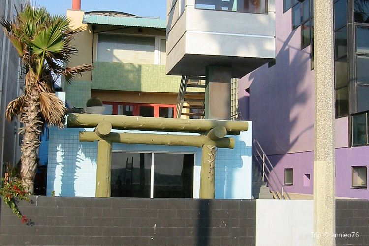 Gehry House2