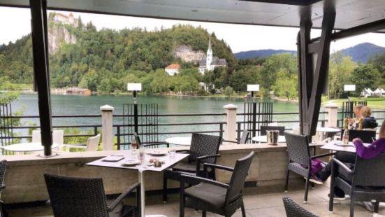 Park Restaurant and Cafe