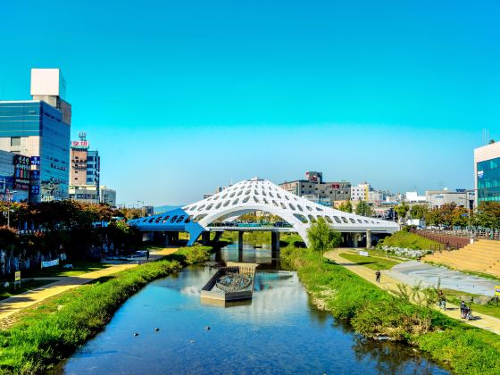 Mokcheokgyo Bridge