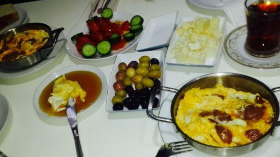 Konya Mandırası Kahvaltı Salonu