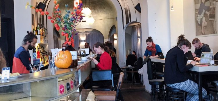 St. Oberholz Restaurant2
