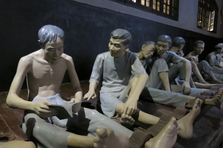 Hoa Lo Prison1