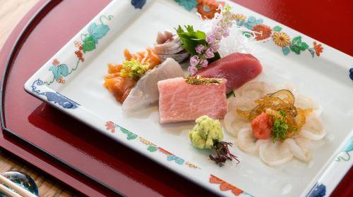 Deng · Sushi