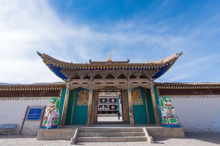 Longwu Temple2
