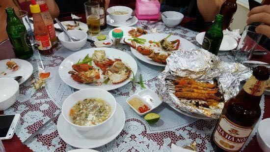 Linh Dan Restaurant1