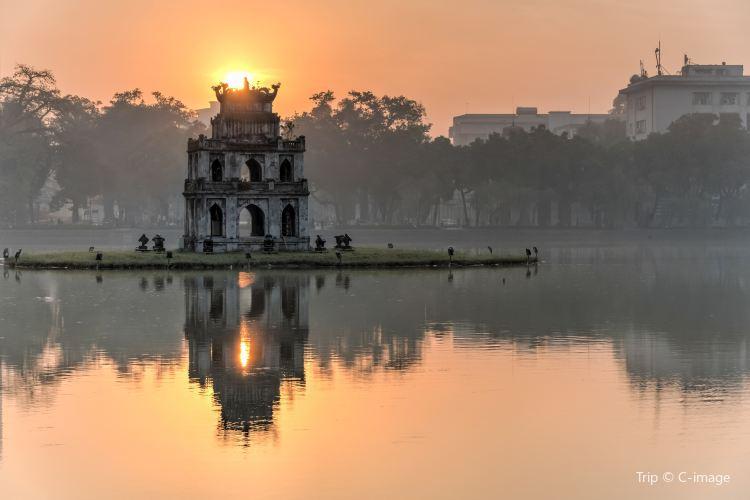 Hoan Kiem Lake3
