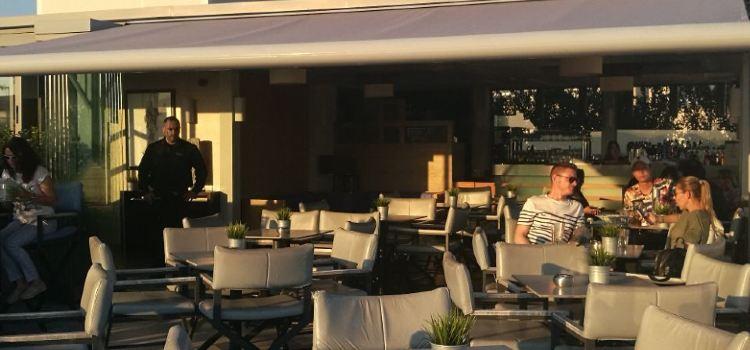 Thea Terrace Bar3