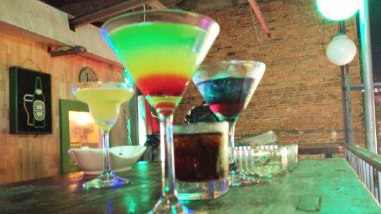 KAYA樓頂酒吧