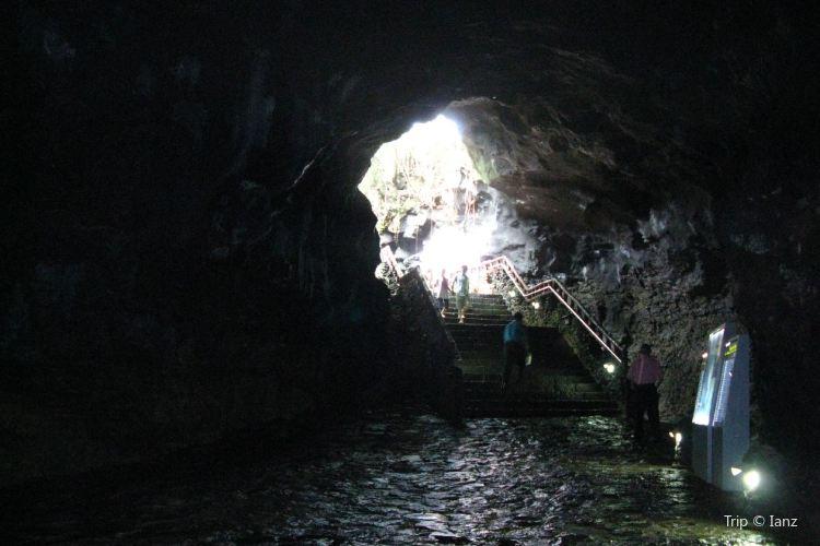 제주 화산섬과 용암동굴2
