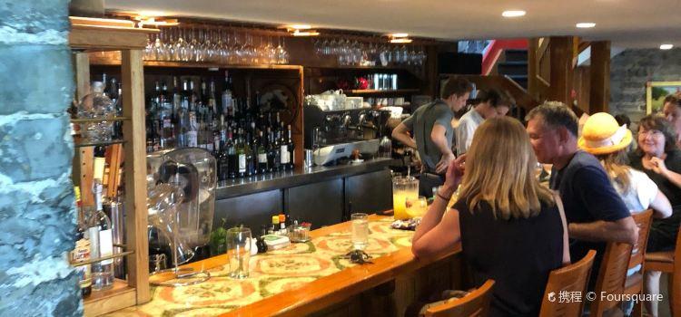 Chez Piggy Restaurant & Bar1