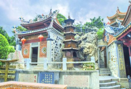 Jingfeng Temple (West Gate)