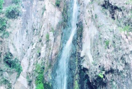 白水石祭瀑布