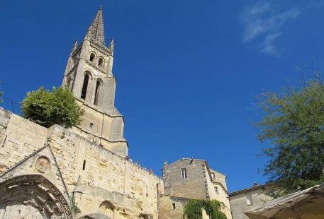 聖艾米隆獨石教堂