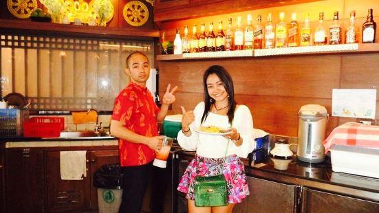 Wan Fah Boat Restaurant