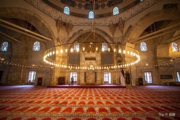 Three-Balcony Mosque1
