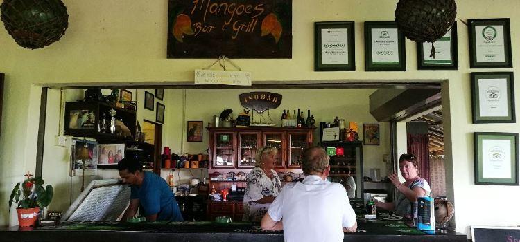 Mangoes Bar and Grill3