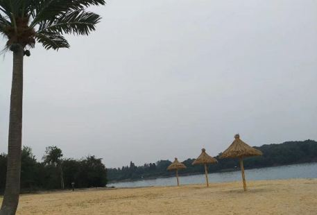 Yanzhi Lake