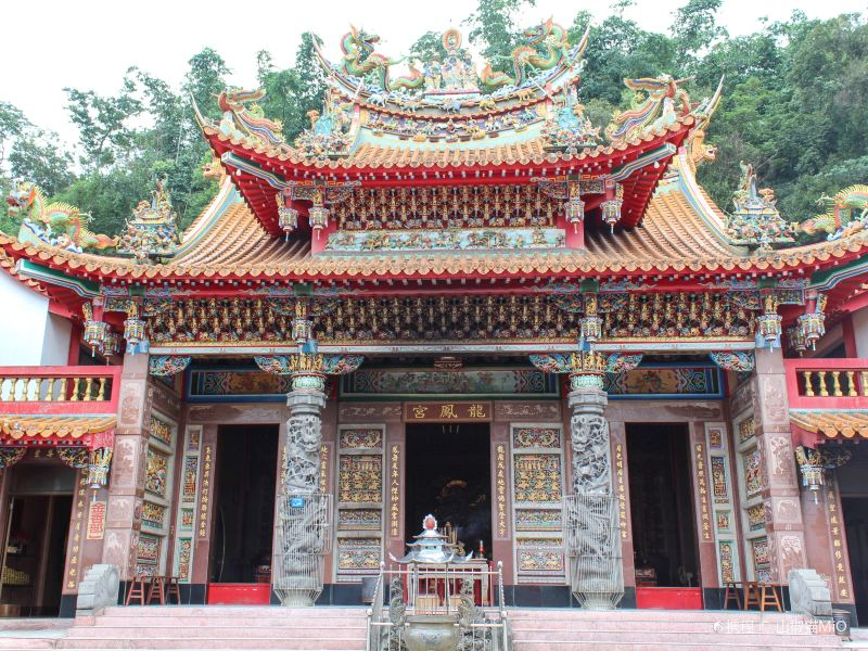 Longfeng Temple