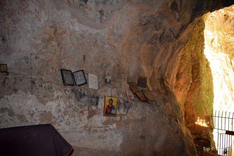 Cave of Agioi Theodoroi1