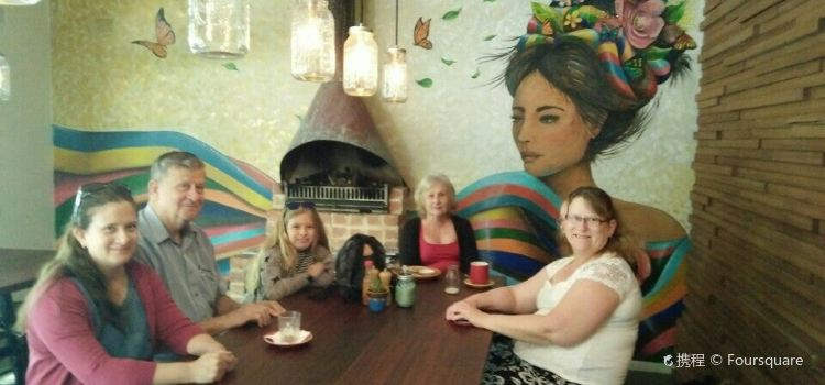 Miss Perez Kitchen and Bar2