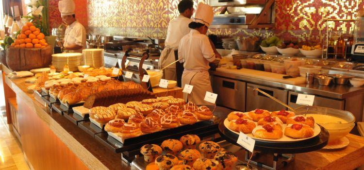 Boneka Restaurant at The St. Regis Bali Resort3