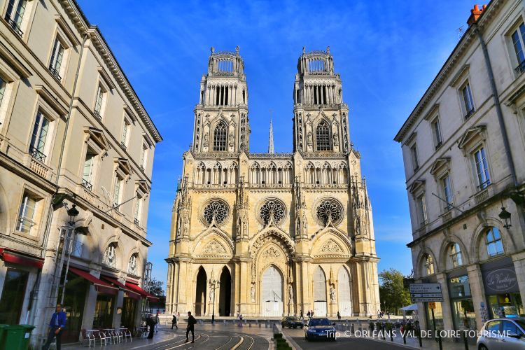 Cathedrale Ste-Croix2