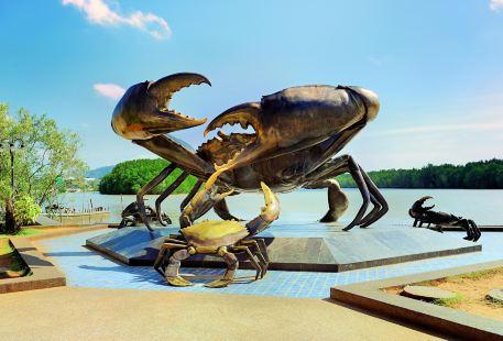 大螃蟹雕像