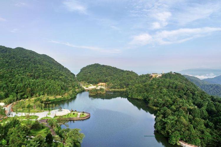 Sanbaishan Mountain Scenic Area