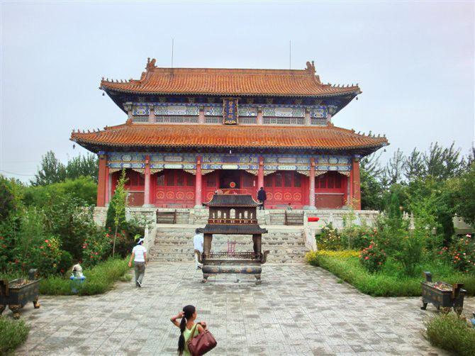 東光鐵佛寺