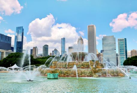 Clarence Buckingham Fountain
