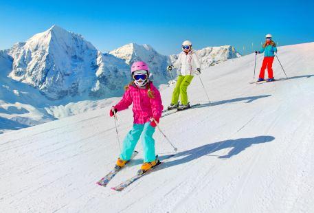 天池雪自然滑雪場