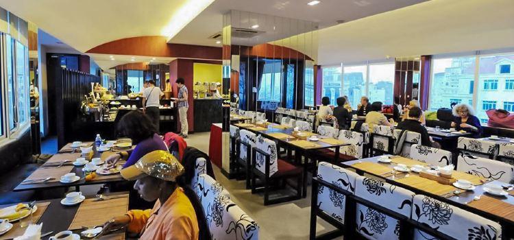 d'LIONS Restaurant
