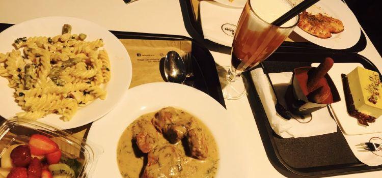 Ceni's Restaurant2