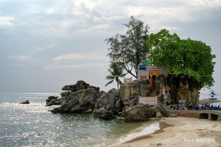 Dinh Cau Rock (Cua Temple)3
