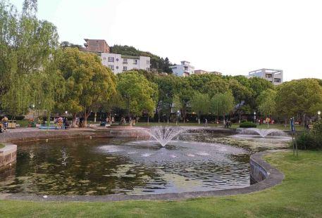 Daoqin Park