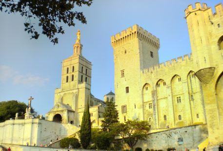 阿維尼翁聖母大教堂