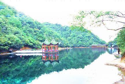 Xiangyuan Hot Spring
