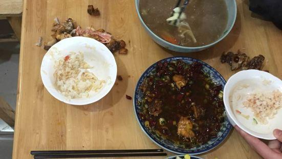 黃婆婆海鮮麵館